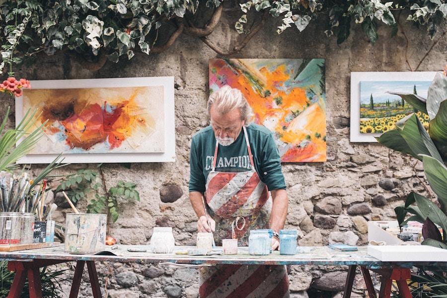 Artisan painting pots