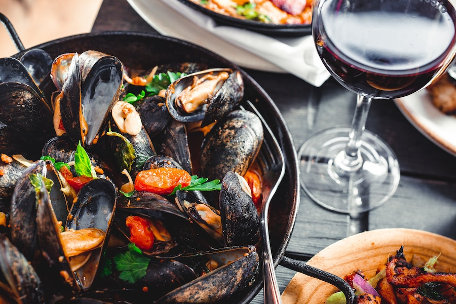 Seafood and wine at South Florida fall events